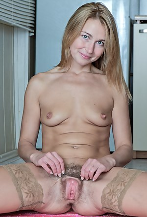 Matrue pussy, sleepinh girlfriend naked