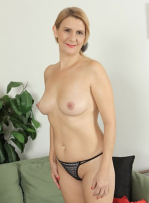 Xxx thongs mature