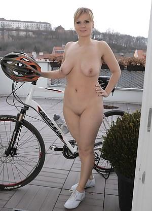 Nude sport matures