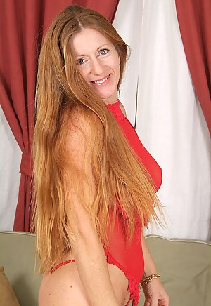 Free Long Hair Mature Porn Pictures