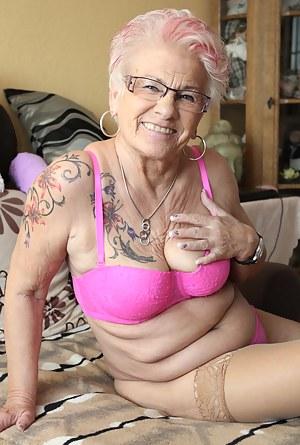 Free Mature Bra Porn Pictures